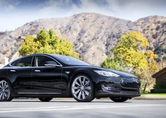 Passenger Reactions to the Tesla Model S P85D Acceleration