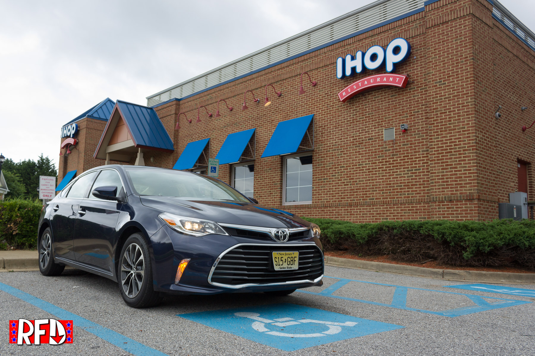 Hurtling Towards Middle Age In A 2016 Toyota Avalon